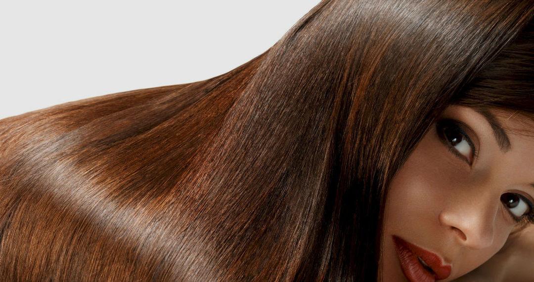 Coiffure : 4 étapes clés pour des cheveux étincelants !